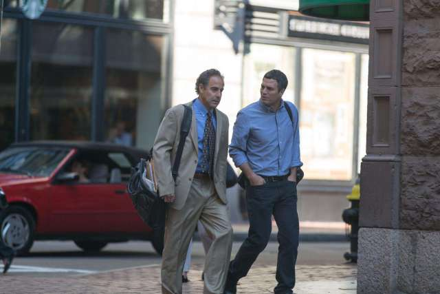 still-of-stanley-tucci-and-mark-ruffalo-in-spotlight-(2015)-large-picture
