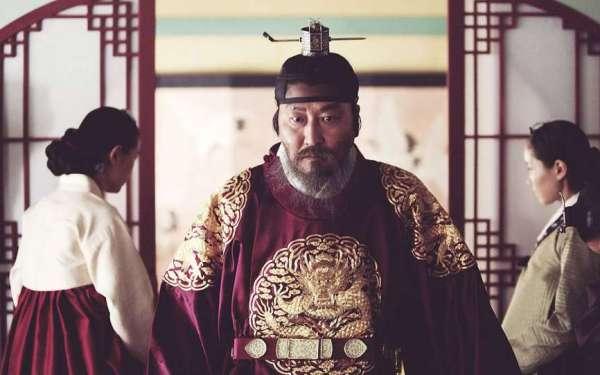 the_throne_south_korea_still_1-_h_2015