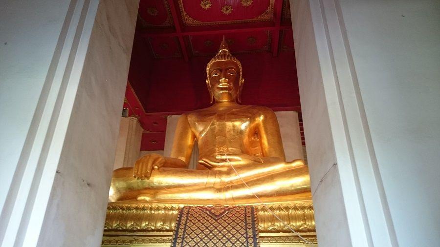 Buda gigante en Ayutthaya