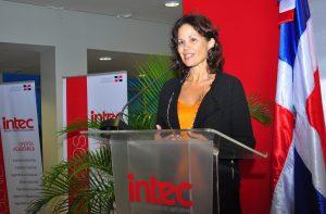Marelia Martínez, experta venezolana residente en Francia, coordinadora de los facilitadores del Diplomado, Alexandre Lavissiere, de Francia; el español Rafael Molina Martínez, y el colombiano José Vicente Guzmán.