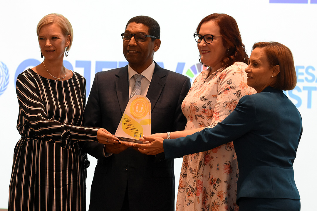 MEPyD gana oro en Sello de Igualdad de Género del PNUD