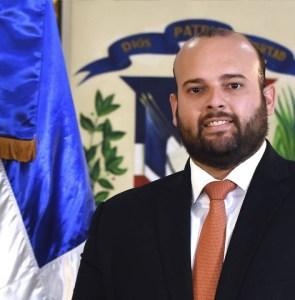 Gilberto Valdez, Director Administrativo