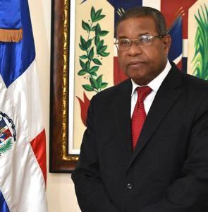 Jesús Salvador Santana, Director de la Unidad para el Fomento de la Investigación Económica y Social (UFIES)