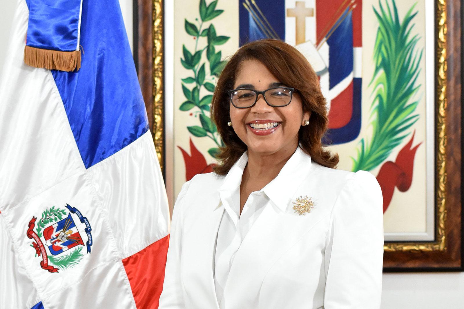 La viceministra de Cooperación Internacional del Ministerio de Economía, Planificación y Desarrollo y ordenadora nacional de los Fondos Europeos para el Desarrollo, Olaya Dotel.