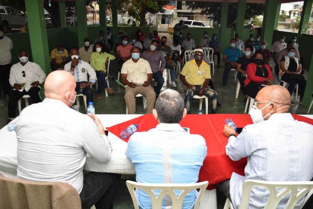 Municipalidad asistente a la reunión de los viceministros a la reunión con la sociedad civil de Haina.