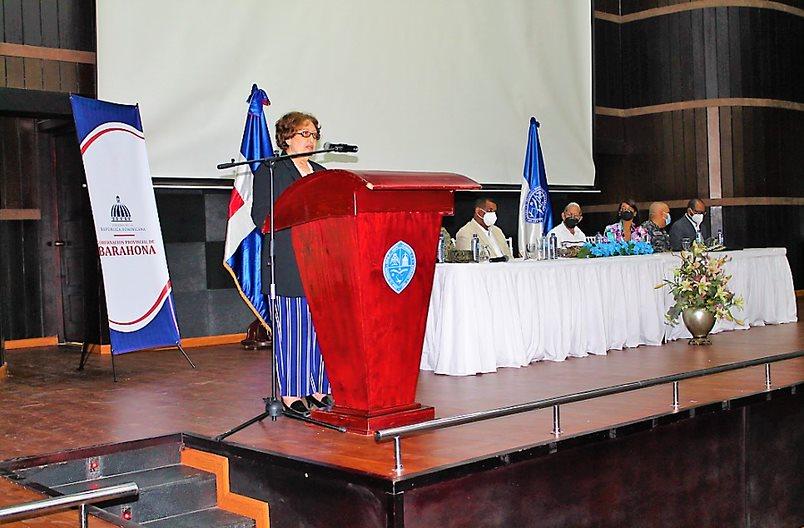 La gobernadora de Barahona, Diones Maribel González, expresó que la constitución del Consejo de Desarrollo Provincial de Barahona promoverá la creación de una arquitectura enfocada en reducir la pobreza con equidad de género, protección del medio ambiente en el marco del desarrollo sostenible a favor de una Barahona para todos y todas.