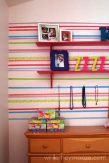 washi tape parede arquitrecos via whiletheysnooze