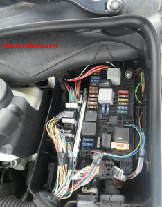 Fuses box location engine main fuse also  relays  class  rh mercedesmedic