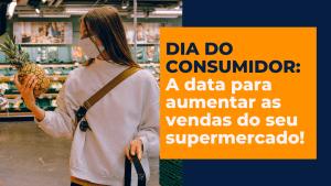 Mulher fazendo compras no dia do consumidor