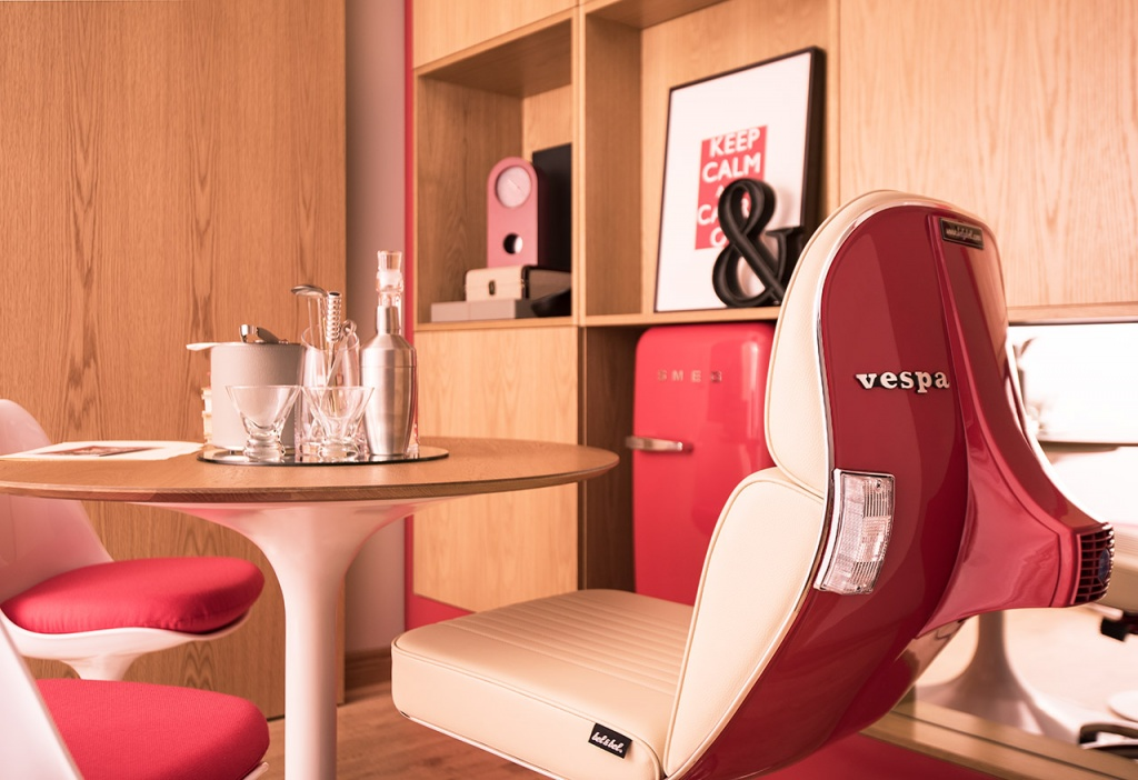 belybel-Scooter-Chair-Virgin-Hotel-Chicago-Suite2