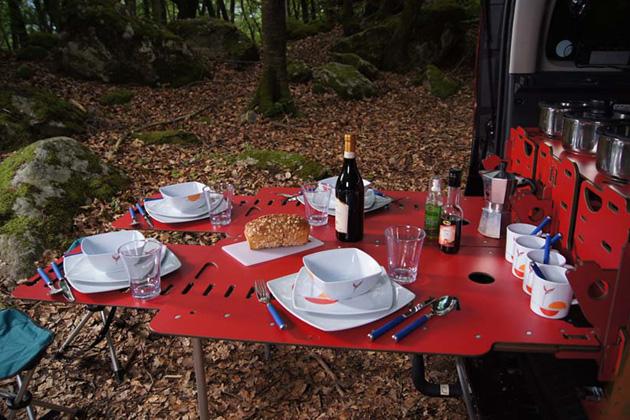 Módulo-de-acampamento-para-carros-inspirado-em-canivete-suíço-Ideagrid-_04