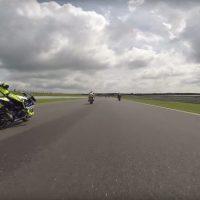 Piloto desmaia em cima da moto a 225 KM/H