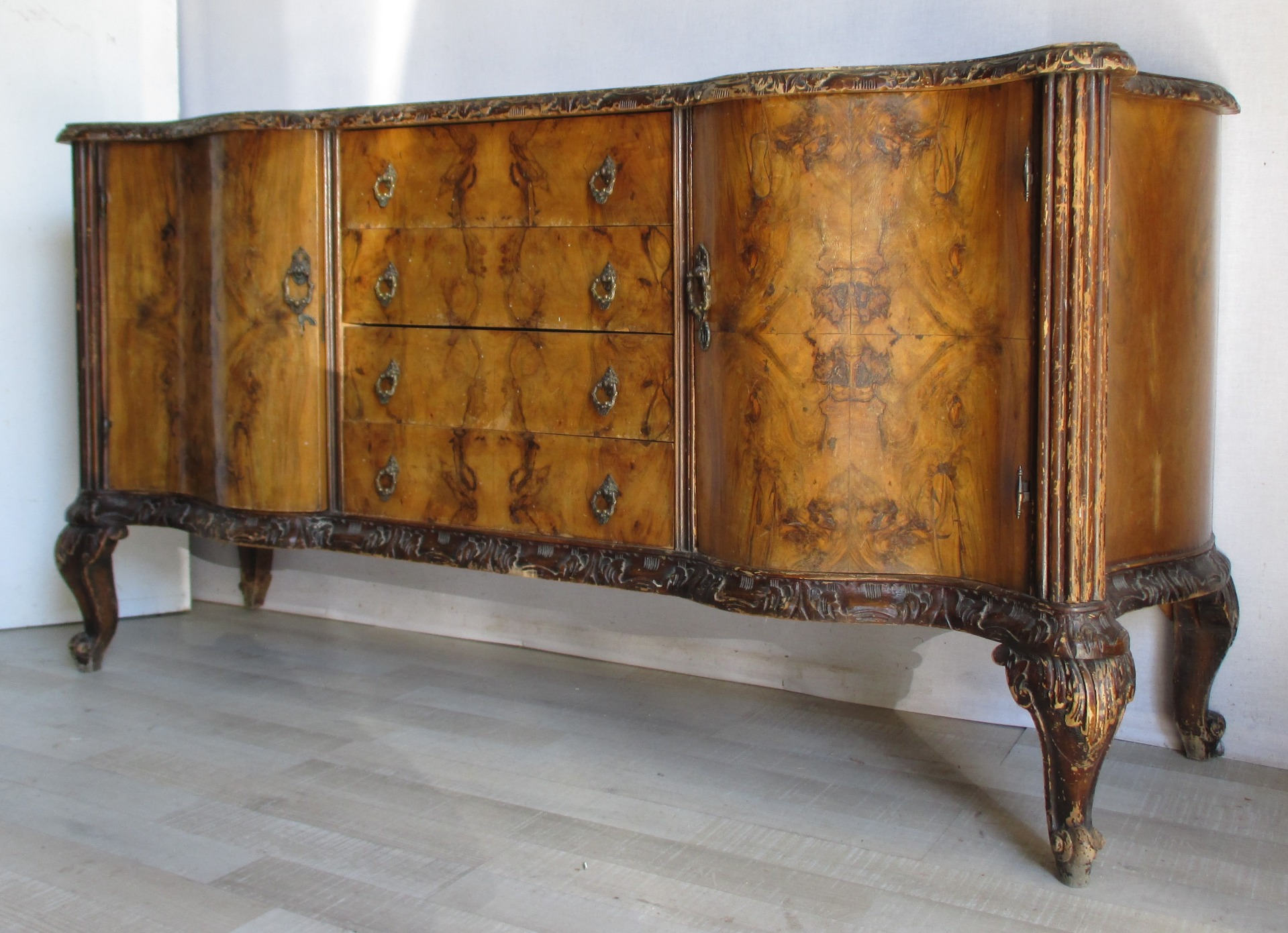 Ricoloriamo i tuoi vecchi mobili in stile. Chippendale Sideboard Buffet Walnut And Briar 1930s Shabby Chic Ideal Very Beautiful Great Quality Mercanteinfiera Marketplace