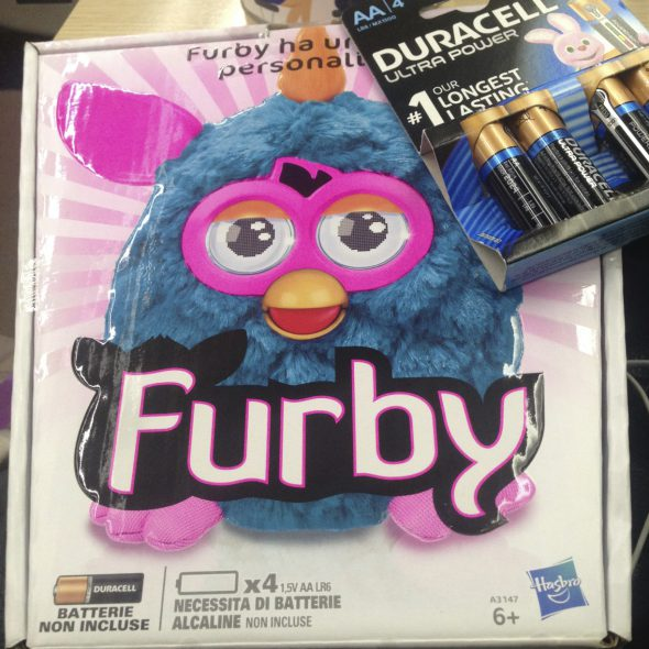 furby + pile duracell