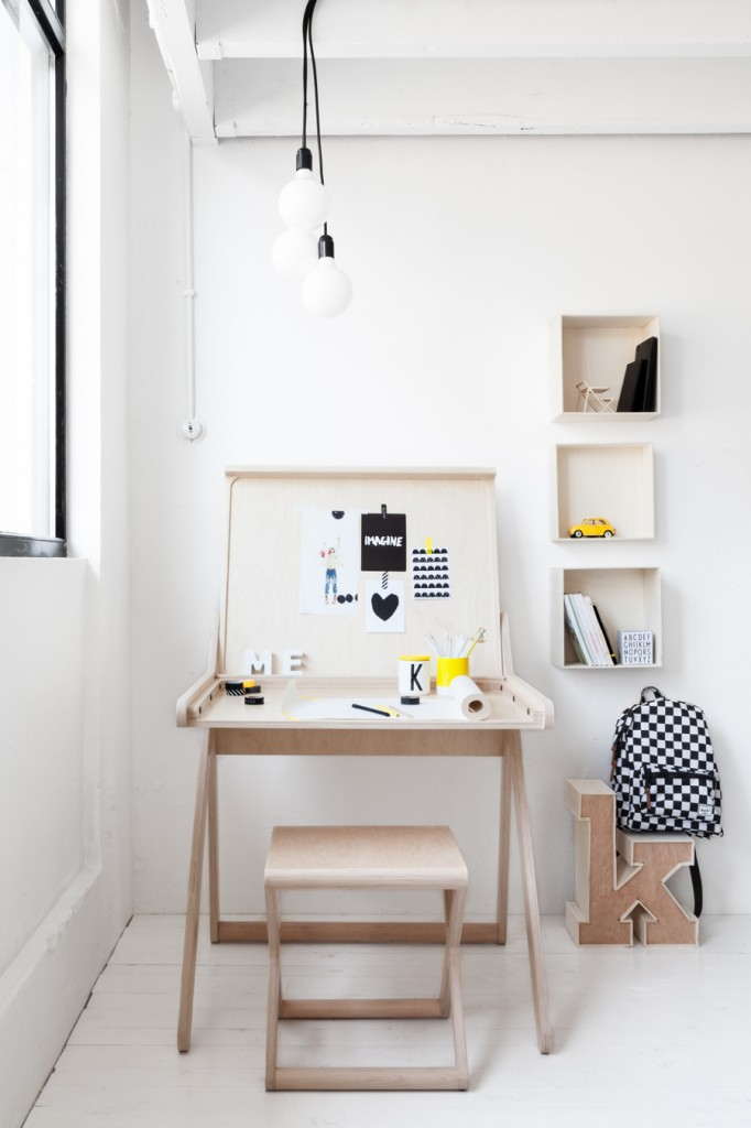 K desk a modern children furniture from Rafa-kids