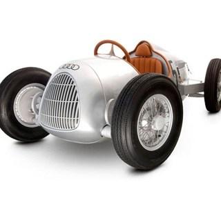 Audi a pedali