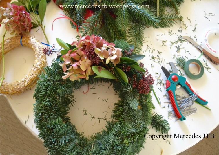 Copyright Mercedes JTB Illustrations. advent wreath 1