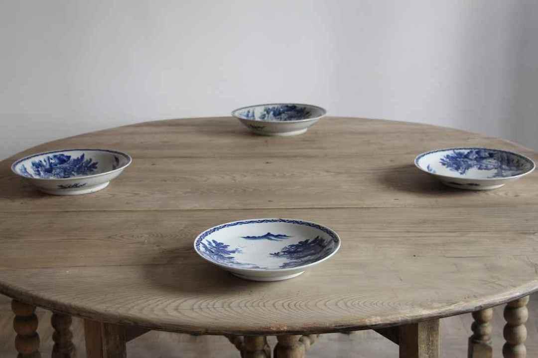 Gran mesa ovalada