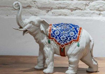 Elefante de porcelana. Influencia japonesa