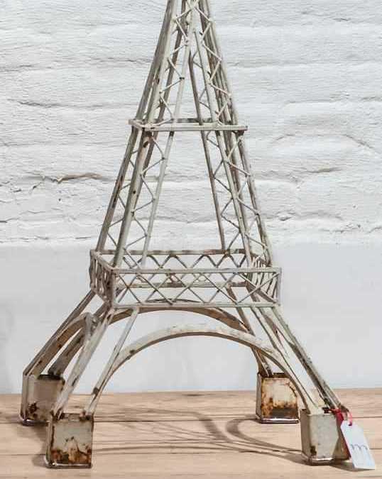 Modelo de Torre Eiffel