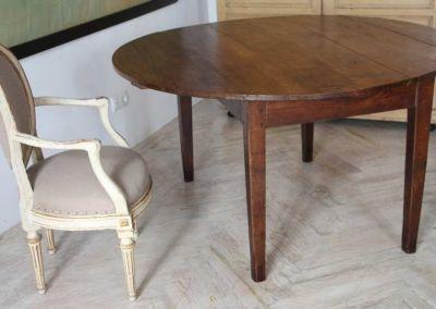 Mesa de alas en madera de nogal encerada, c. 1800