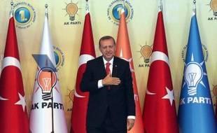 Erdogan.  Parfait maître chanteur.