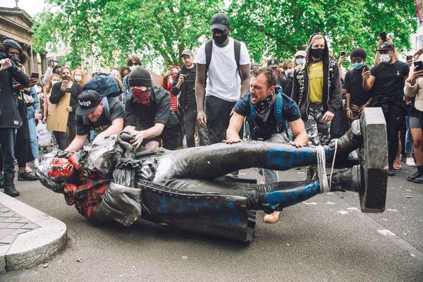Une guerre raciale est-elle inévitable ?