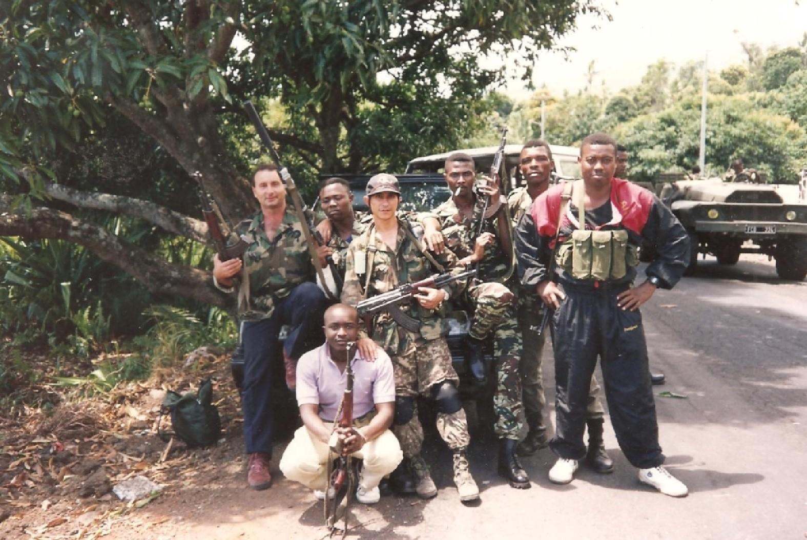 Les Comores.  Suite etfin.