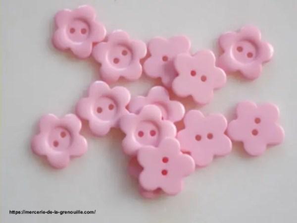 bouton fleur rose