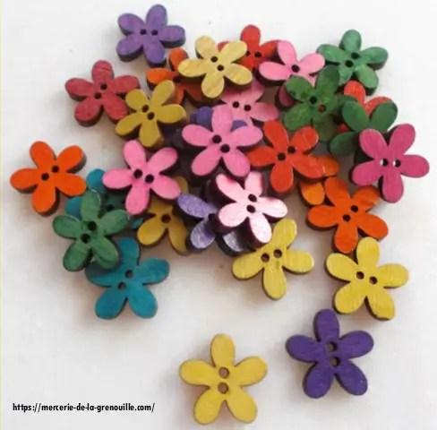 boutons en bois forme fleur 20mm