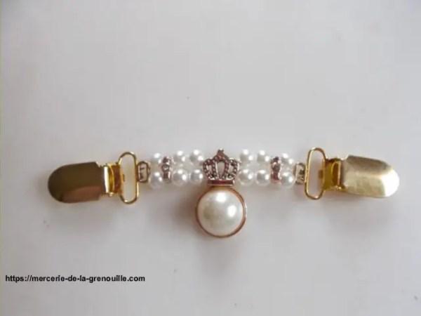 Broche clip perles et couronne