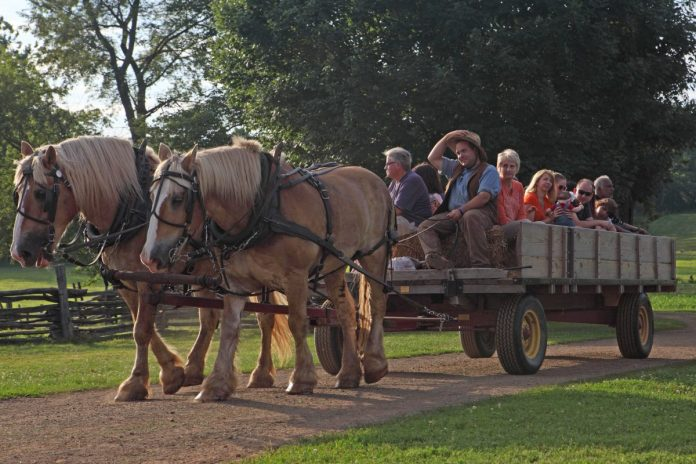 Howell Farm to Offer Evening Hayrides