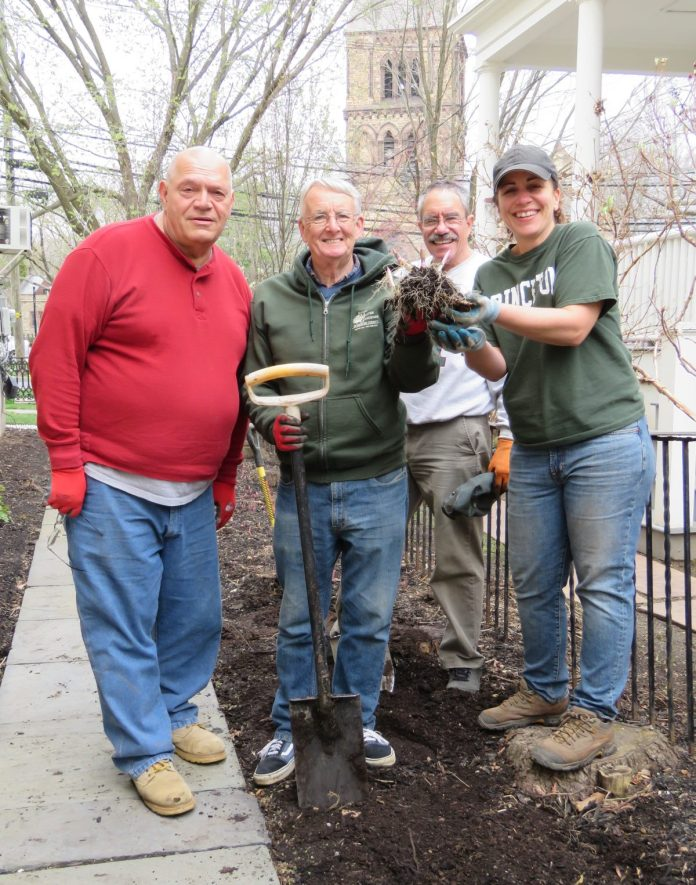 Rutgers Master Gardeners to Hold Plant Expo and Garden Market