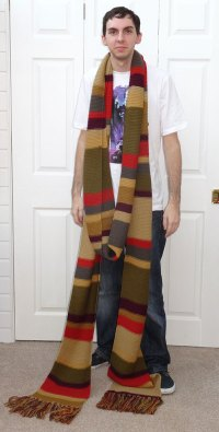 Review of the Lovarzi 4th Doctor Who Scarf  Merchandise ...
