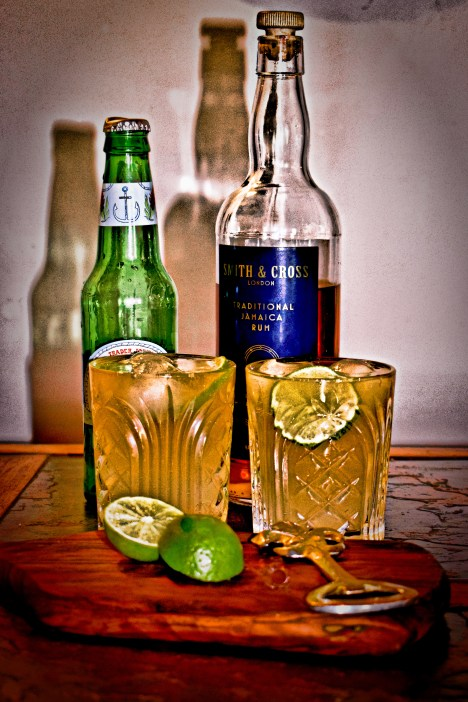 A tasty cocktail served as a prelude to the oysters ~ Jamaican rum with fresh ginger beer, with a garnish of fresh lime