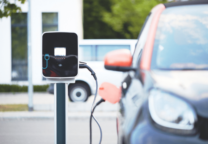 EESL Signs MoU with Apollo to Install EV Charging Stations in its Hospitals Across India