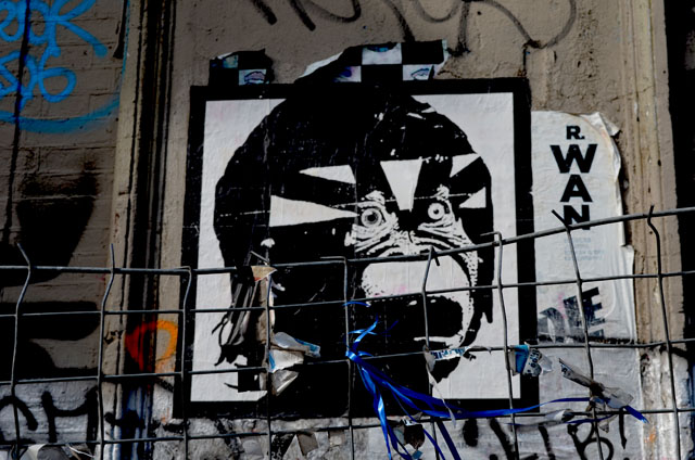 mercredie-blog-mode-canal-st-martin-streetart-tag-graph-singe