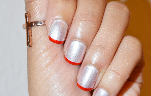 mercredie-blog-mode-nail-nails-ongles-french-manucure-art-nailart-cross-ring-topshop-chantilly-peggy-sage