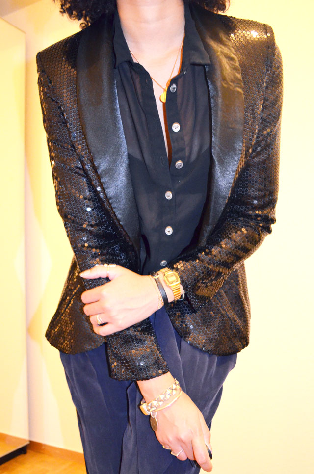 mercredie-blog-mode-zoom-only-les-petites-pantalon-groom-escarpins-zara-veste-glitter-sequins-afro-hair-natural