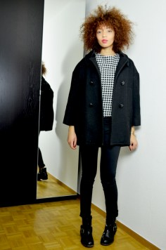 mercredie-blog-mode-geneve-chicwish-rewardstyle-houndstooth-outfit-beaute-fashion-blogger-look-skirt-shirt-allsaints-jules-boots-biker-afro-curly-hair-nappy-kinky-isabel-marant-manteau-caban-coat