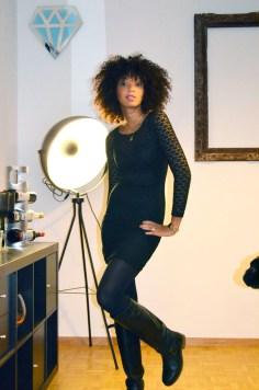 mercredie-blog-mode-lookbook-look-style-look-robe-noire-dentelle-atmosphere-primark-bottes-zip