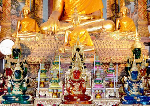 mercredie-blog-mode-voyage-thailande-buddhas-multicolores