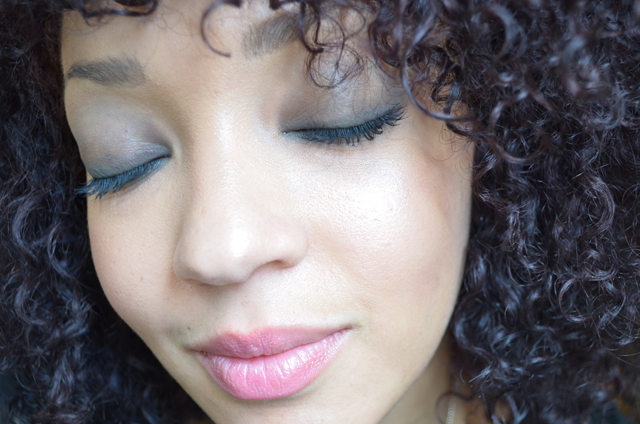 mercredie-blog-mode-beaute-maquillage-tuto-makeup-smoky-master-maybelline-black-waterline-closup2