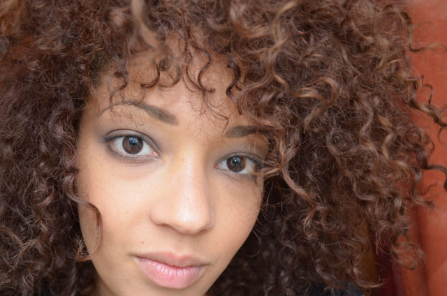 mercredie-blog-mode-beaute-cheveux-frises-curls-nappy-hair-color-remover-colour-b4-review-avis-before-after