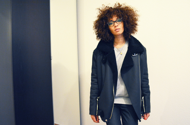 mercredie-blog-mode-geneve-suisse-lunettes-rayban-5226-cateye-easylunettes-jacket-acne-shearling-ersatz-stylenanda-afro-hair-cheveux-frises-nappy