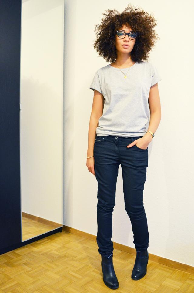 mercredie-blog-mode-geneve-suisse-lunettes-rayban-5226-cateye-easylunettes-t-shirt-asos-grey-boyfriend-afro-hair-cheveux-frises-nappy-jean-etam-zip-boots-pistol-acne-zign