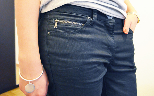 mercredie-blog-mode-geneve-suisse-lunettes-rayban-easylunettes-t-shirt-asos-grey-boyfriend-jean-etam-zip-enduit-2013