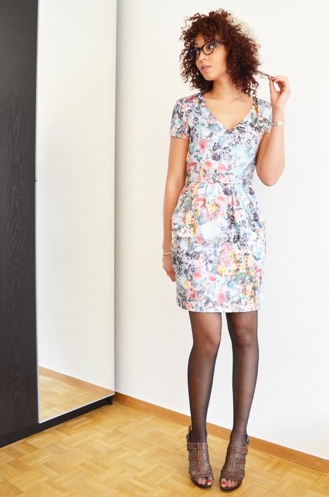 mercredie-blog-mode-robe-h&m-roseanna-ersatz-bata-afro-hair-cheveux-nappy-rayban-cateye-5226-red-cherry-cerise-rouge-olia