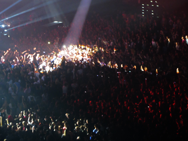 mercredie-blog-mode-Zurich-Beyonce-concert-Suisse-Hallenstadion-mrs-carter-show-live12