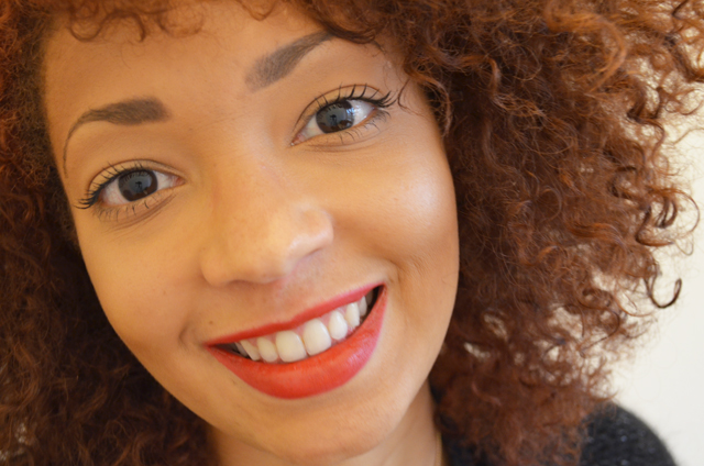 mercredie-blog-mode-beaute-cheveux-afro-hair-nappy-red-rouge-curly-red-lipstick-rouge-q-levres-rouge
